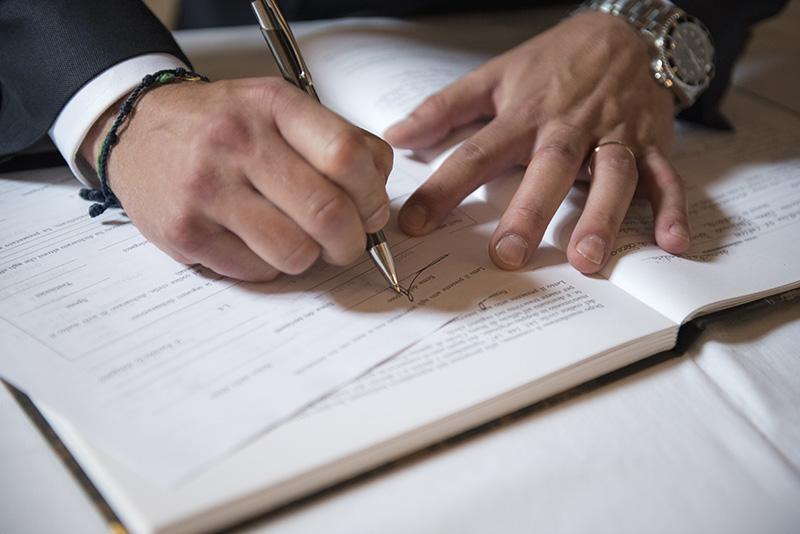 Trascrizione matrimoni celebrati all'estero tra persone dello stesso sesso